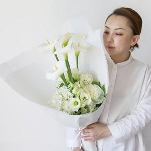 <お盆贈答用花束> 5,000円の供用花束を贈る