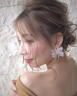 clear flower pierce