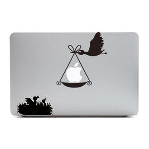 MacBook Air11インチ用背面デザインステッカー「りんごを運ぶ鳥」