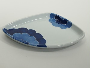 イッチンごす花三角皿