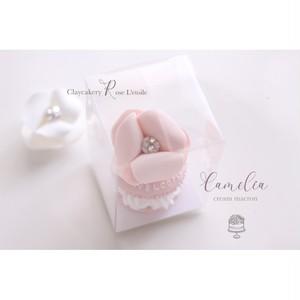 Petit Cream Camelia Macron