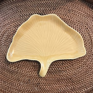 ジェンガラ・ケラミック 食器 イチョウの葉 プレート GINKO Leaf Serve Plate