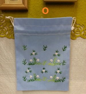 ベトナム雑貨PhiPhi・お土産・アジアンハンドメイド・刺繍巾着袋(小)
