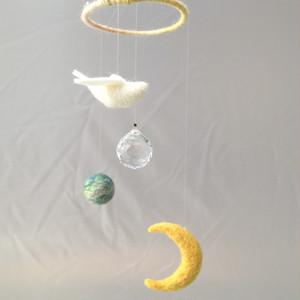 月と鳥のモビールサンキャッチャー 羊毛フェルト
