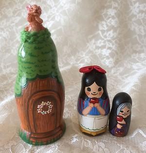 プレゼントやインテリアのアクセントに♪白雪姫マトリョーシカ♪