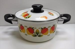 レトロなホーロー製の両手鍋【イチゴ】(1122204S80)
