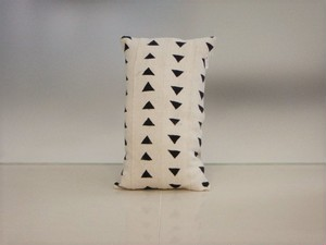品番UC-007 Cushion [small / African White mud cloth]
