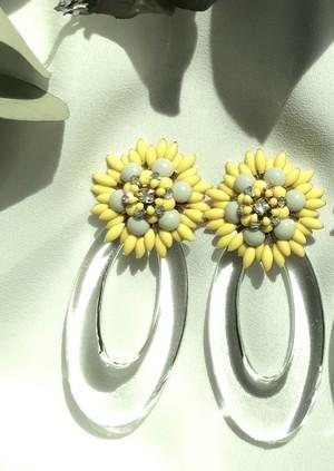 flower clear hoop × yellow