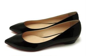 [ モデルサイズ ] 黒エナメル  ポインテッドトウパンプス. 25.5cm,26cm,26.5cm