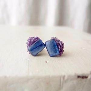 【天然石の刺繍ピアス】Kyanite × Amethyst カイヤナイト・アメシスト
