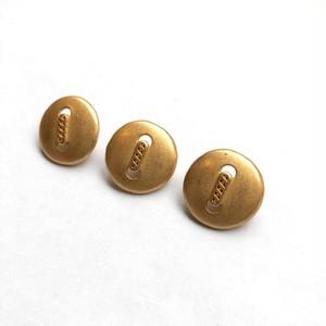 真ん中チェーンのマットなゴールドボタンS