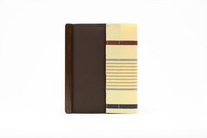 アモルフ 閉じる ブックカバー 手帳カバー A6(文庫)サイズ 茶✕クリーム縞