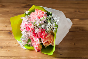 いい夫婦の日のプレゼントにぴったり】花束/ピンクブーケ