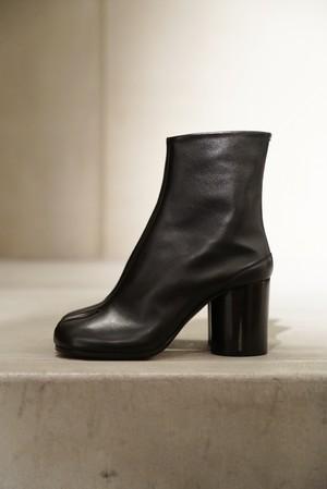Maison Margiela /  Calfskin Tabi Boots  (Black)