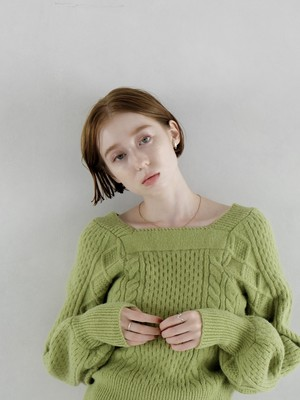 volume sleeve square neck knit