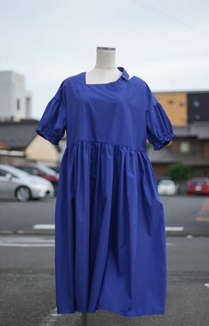 Ladies' / gathered DRESS of blue cotton fabric