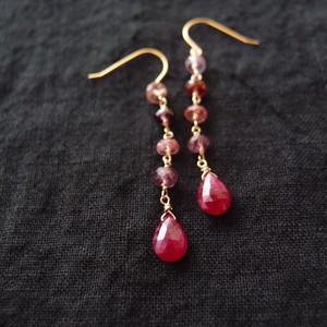 天然石のスウィングピアス【K14gf】ruby・spinel