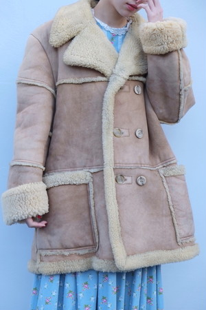 vintage/ookina hitsuji coat.