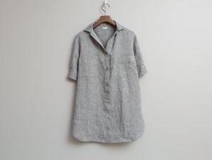 白黒リネンへリンボンのかぶりシャツ
