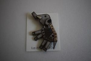 古川真紀子|象のブローチ