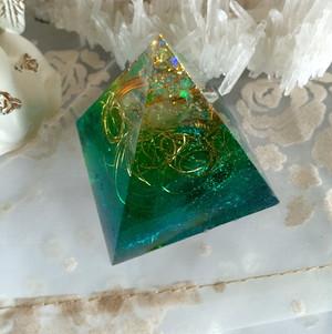 ピラミッドオルゴナイト〜精霊の声〜