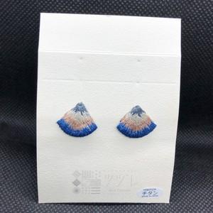 刺繍ツヅレ ピアス Nordic