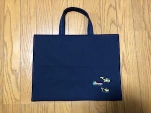 1点限定★紺色レッスンバッグ★クロスステッチ刺繍:ダンプカー&ショベルカー