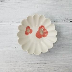 「石膏型 輪花 豆皿・小鉢」で作った小皿 Φ9.5cm 赤花