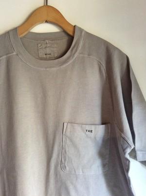 THE HINOKI オーガニックコットンの「THE 」バンドポケットTシャツ GRAY