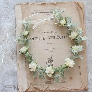 【花冠】フリルローズ(ホワイト)とグリーンのシンプル花冠*細サテン選べる5色
