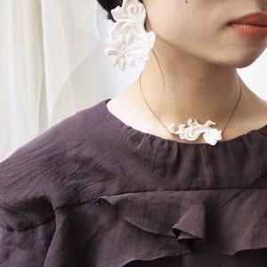 刺繍レースのネックレス