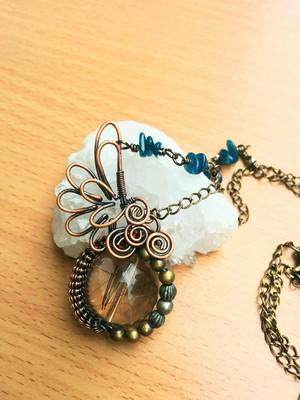 「針入り水晶」の羽根ネックレス~送料無料~