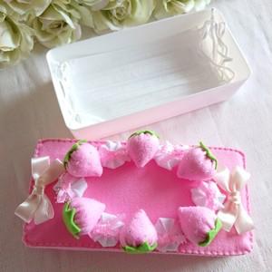 <手作りキット>いちごケーキのマスクケース