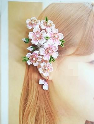 つまみ細工〜ふんわり咲き乱れる桜の髪飾り〜