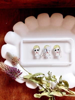 【for iPhone】 Twiggy sisters ホワイトラインハードケース