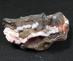 Cady Mountains アゲート 原石 111,3g AG111 瑪瑙 鉱物 天然石 パワーストーン 原石