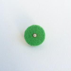 スタインウェイのパンチングクロスと弦楽器のボールエンドを使ったブローチ Piano punching cloth with guiter ball end (pin and brooch)