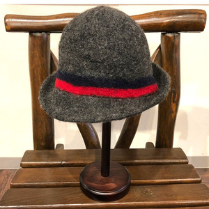 BOILED WOOL CLOCHE (cableami)