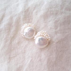 【真珠の刺繍ピアス】coin pearl × seed pearl