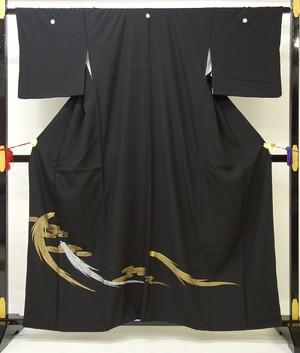 ☆4969☆ 中古品 黒留袖 比翼仕立て 流水 蓑亀模様 刺繍 五つ紋付