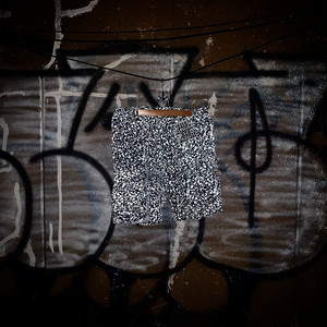 BLACK EYE PATCH / REFLECTOR CARGO SHORTS