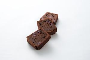 cake chocolat rouge -ケイクショコラ ルージュ-  ショコラとさくらんぼのケーキ