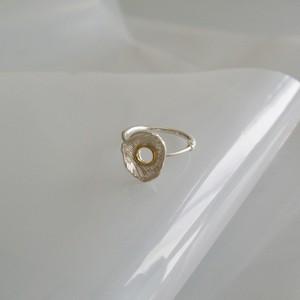 穴あき貝殻18k輪っか指飾り