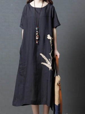 【dress】Delicate embroidery casual dress