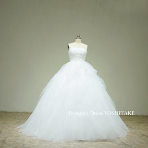 たくさんのチュールを使用プリンセスウエディングドレス(パニエ付)挙式/披露宴