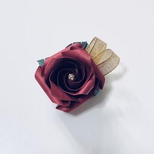 バラ折りブローチ(大)赤色