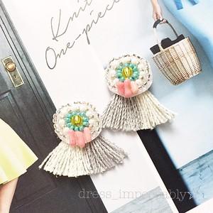 春夏オススメ♡珊瑚のビーズ刺繍の2色フリンジピアス☆イヤリング変更可能です♡