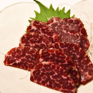 〈ホントに美味しい部位を発見しました!〉鯨の頭肉(お刺身用)ブロック【100g】【冷凍品】