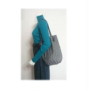B54 大島紬リメイク巾着バッグ(モノグラム風柄)