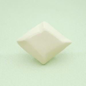 <通年>シンプル菱形帯留め(白)